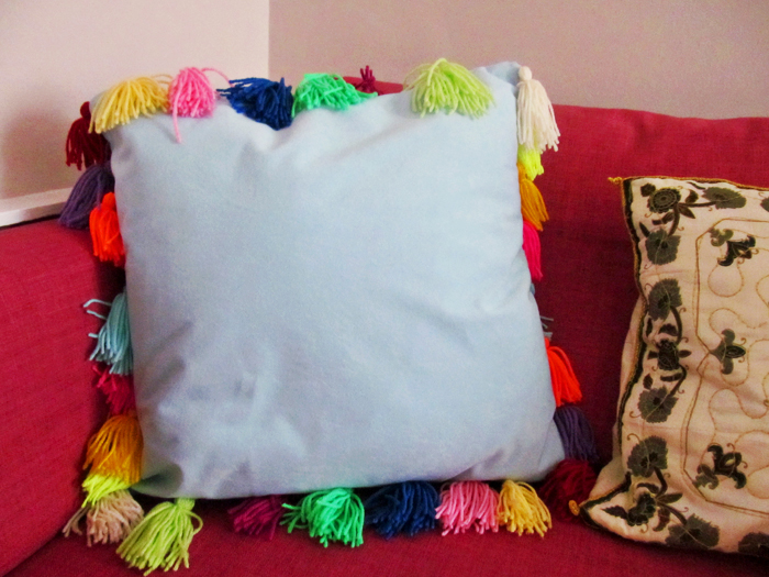 Jessthetics / DIY Tassel Cushion
