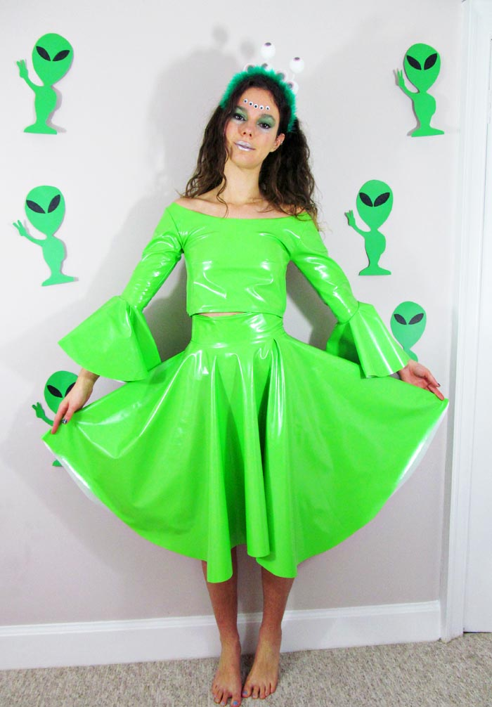 Jessthetics / DIY Alien Costume