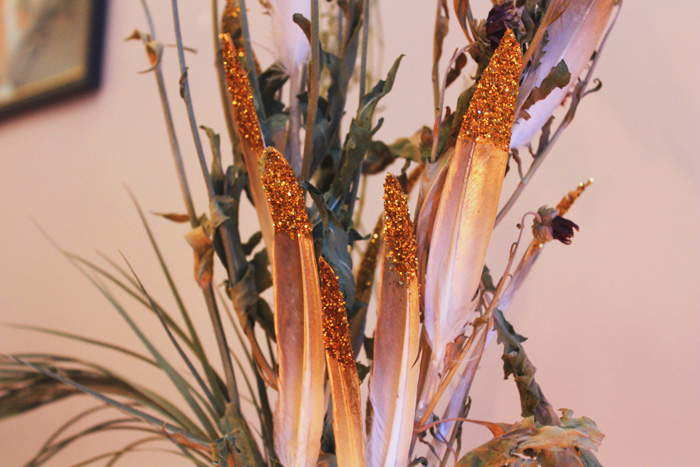 Jessthetics / Gold Feather Flower Arrangement